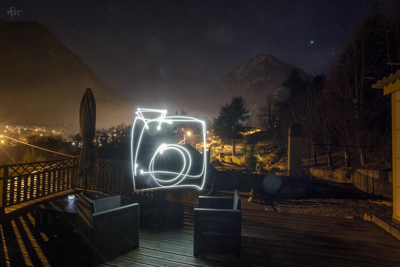 Un peu de lightpainting depuis la terrasse de La Musardière.