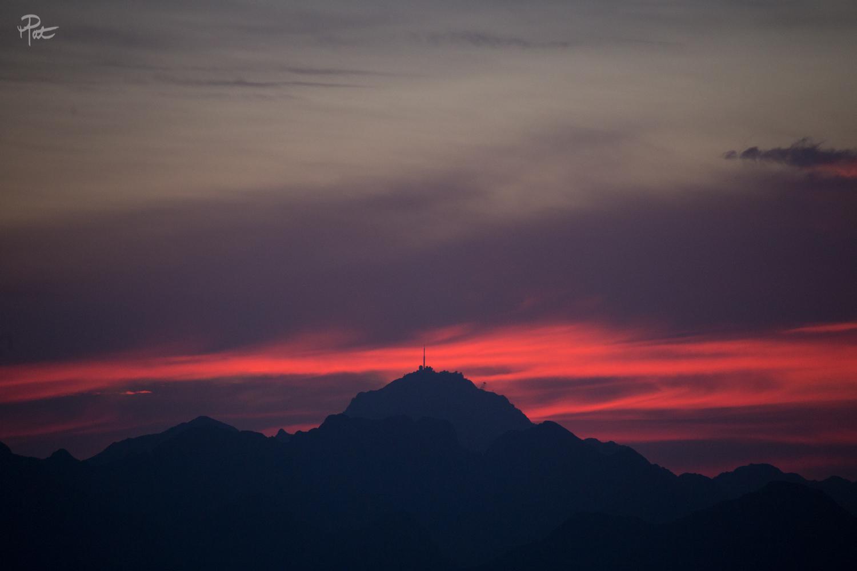 Lever de soleil depuis les crêtes du Lys pour la Pyr'Epic.