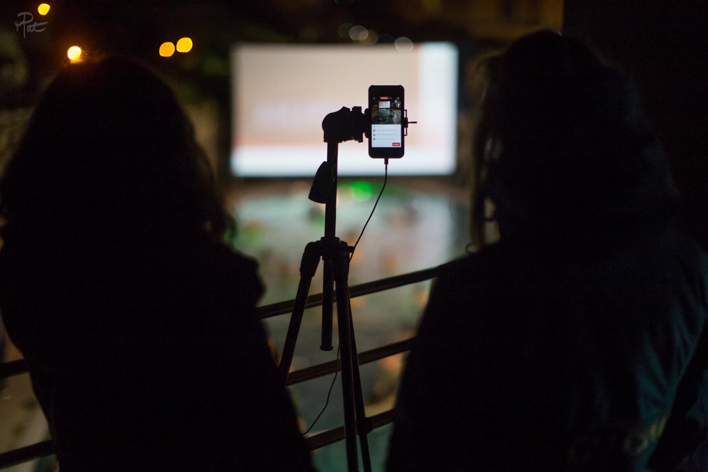 L'envers du Live pendant la projection aux Bains du Rocher.